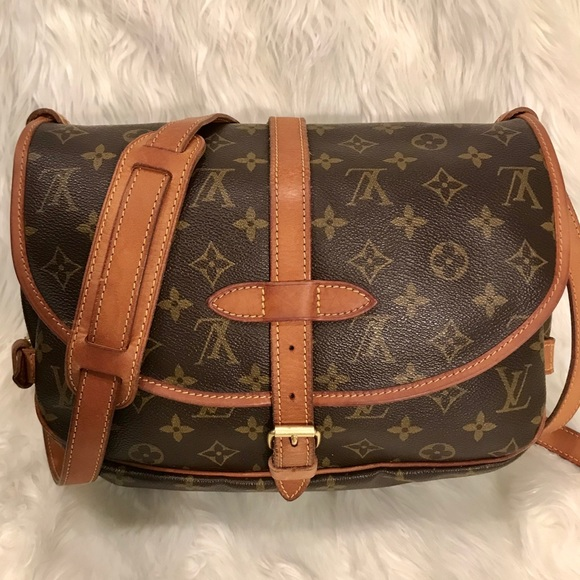 07a06f4eab4c Louis Vuitton Handbags - Vintage Louis Vuitton Saumur 30 Crossbody Bag